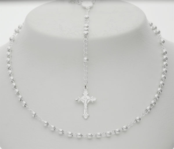 36 2301196 4mm Silver rosary._